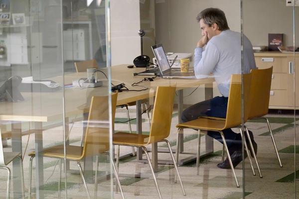 Miért hasznos az irodai üvegfal?